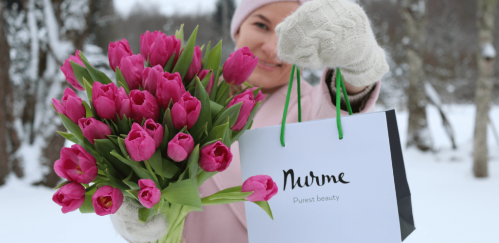 What to gift to a woman?